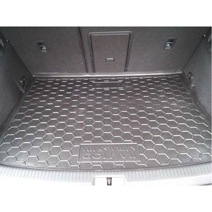 Коврик в багажник для Volkswagen Golf 7 '12- хетчбэк, полиуретановый (AVTO-Gumm)